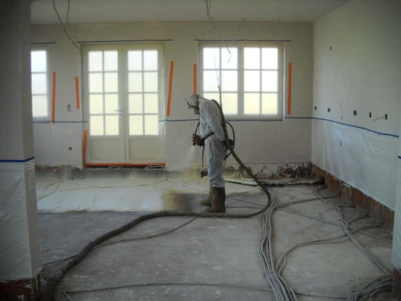 Gespoten PUR vloerisolatie aanbrengen