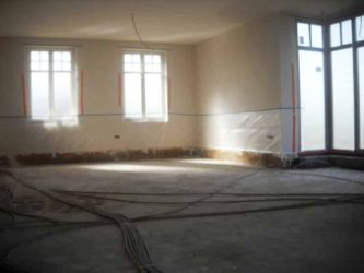 Vloerisolatie: de rest van de woning staat klaar op gespoten te worden
